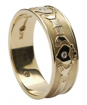 wed4-gents-diamond-set-claddagh-band